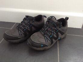 Gelert shoes size 3