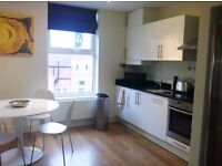 2 double Bed, 1 Bath flat on Morden SM4