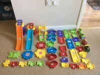 Vtech Toot Toot Racing ramp and extra track inc vehicles