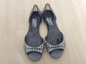 Sparkly ladies shoes size 5