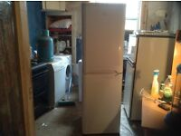 Fridge freezer,Indesit,immaculate condition,£125.00