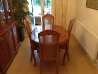 Colonial Style Walnut veneer oval Dining Table and 6 Chairs