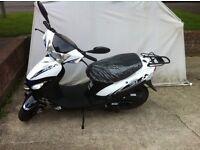 Longija 50cc Moped