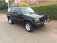 Jeep. Cherokee limited 4ltr petrol & LPG gas