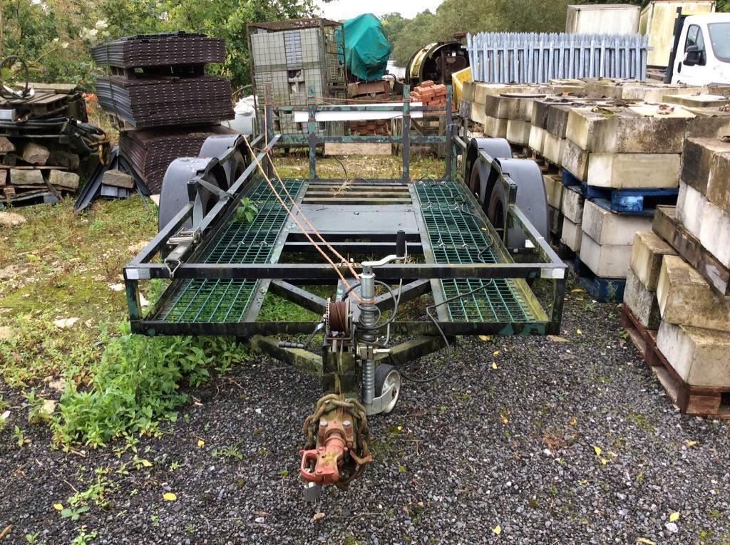 Plant trailer/transporter
