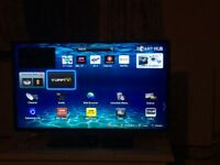 Samsung Smart TV, 37 in. Connects to WiFi, UE37ES5500, remote control plus user manual £70. xx