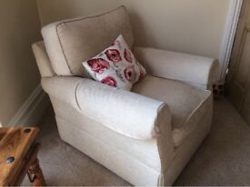 Beautiful cream sofa and two armchairs for Sale