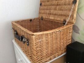 XL PICNIC HAMPER