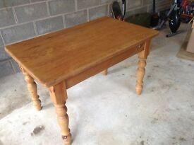 """Farmhouse pine kitchen table 4' x 2'6"""""""