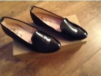 BLACK PATENT FLAT SHOES SIZE 5 / 6 BRAND NEW IN BOX