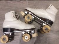 Artistic / Figures / dance roller skates. Suregrip Classic plates, Riedell size 5 boot