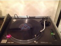 Technic SL-1210. Turntable excellent condition