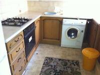 2 DOUBLE BED HOUSE WITH 2 RECEPTIONS, 2 TOILETS EXTENDED KITCHEN TO LET