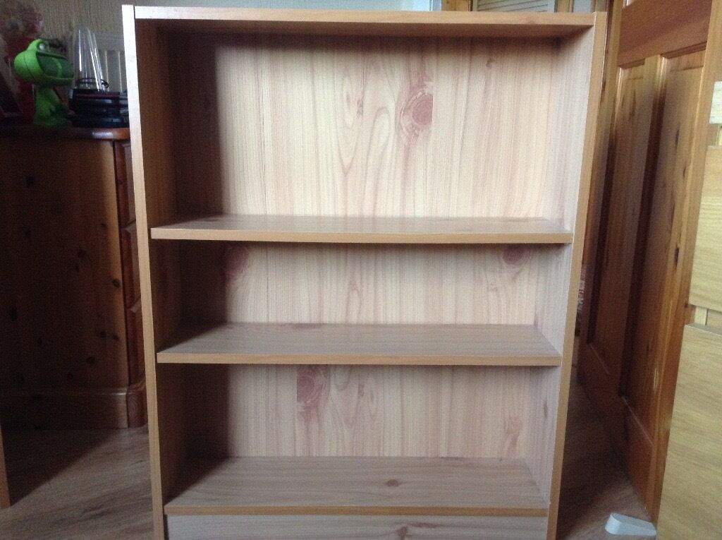 2 small bookcases for sale , good condition , £10.00 each ,