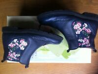 Start-Rite girls' Chelsea navy floral leather boots UK 11 - EU 29