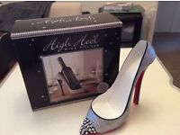 High Heel Shoe wine bottle holder,