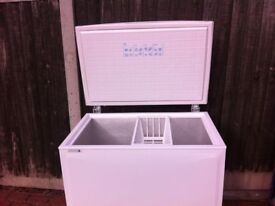 MEDIUM SIZE NORFROST CHEST FREEZER IN GOOD WORKING CONDITION