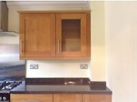 Howdens Tewkesbury Solid oak kitchen