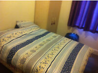 single room available now in aldgate east £ 115 week all bills included