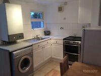 1 bed GARDEN flat with separate kitchen, under 10 minutes walk to Clapham North Tube