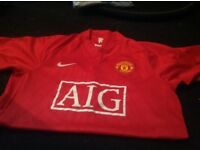 Manchester United top size small