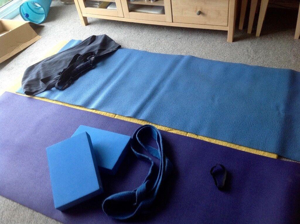 Yoga full set of mats, blocks, belt & carry case