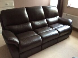 LAZBOY - IMMACULATE ALL LEATHER 3 SEATER SOFA - BROWN