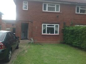 Large 3 bedroom semi detached house in coltishall large drive and back yard