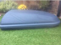 Roof box - perfect condition