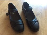 Ladies black flat shoes - unworn new