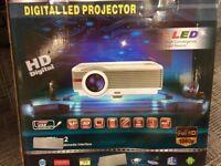 Digital LED Projector, HD Digital, 1080p GREAT CONDITION