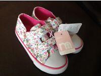 Girls size 6 new summer shoe bundle