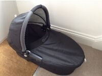 Quinny Buzz Black Carrycot with rain cover