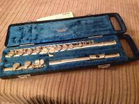 Yamaha flute, in hard case.