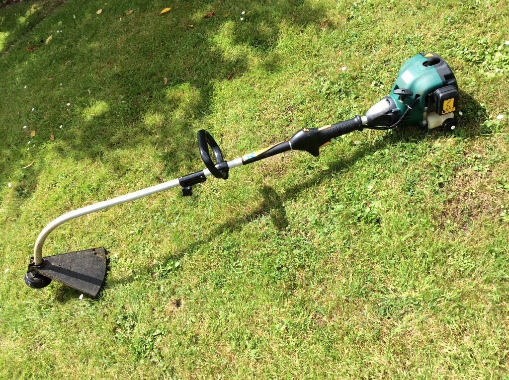 B Amp Q Petrol Grass Strimmer In Stroud Gloucestershire
