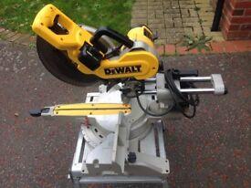 Dewalt DW717XPS Compound Mitre Saw