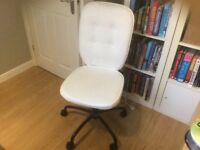 Canvas swivel chair