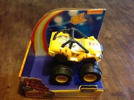Blaze and the Monster Machines Slam & Go Vehicle (STRIPES)