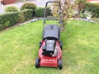 Castle Garden Self drive petrol lawnmower. 19 inch cut. Quattro40 Briggs&Stratton engine. Very clean