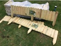 Rowlinson Dome Top Spiked Wooden Border Edging 1.2m