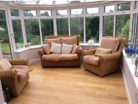Very good quality 3 piece conservatory suite