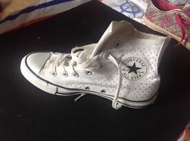 Ladies ankle style. white Beaded converse size 5