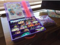 KIDS DIY. LOOM BANDS - IN PURPLE CASE. WITH EXTRA LOOM, LARGE PROJECT BOOK