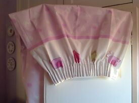 Girls black out curtains. Pencil pleat. Pink background. Good condition
