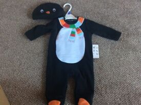 BRAND NEW BABY 2 PIECE XMAS OUTFIT