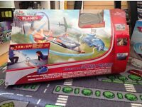 2 Disney Planes play sets : Skytrack Challenge & airport playset
