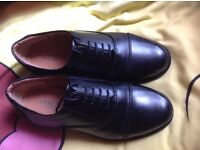 Leather shoes / cadets