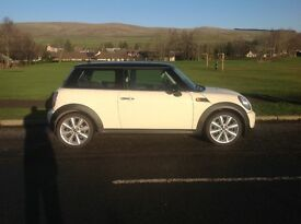 Mini Cooper 2010 (60 reg). Low mileage. Great condition.
