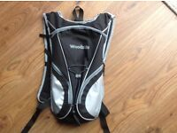 WOODSIDE BLACK AND GREY RUCKSACK WITH TWO LITRE HYDRATION PACK BLADDER BAG