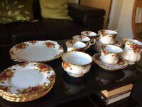 Royal Albert 'Old Country Roses' Bone China Tea set 21 piece